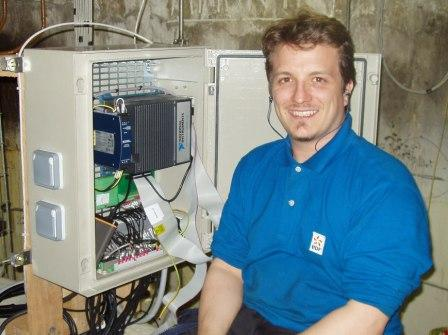 Pascal Ratabouil of EDF installing the central processor